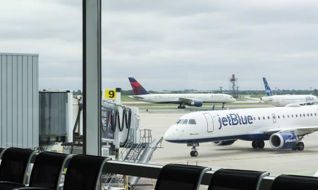 САЩ обявиха нови правила за влизане с въздушен транспорт