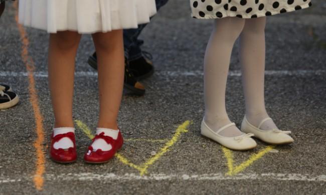 Родители: Няма кампания за тестването на децата