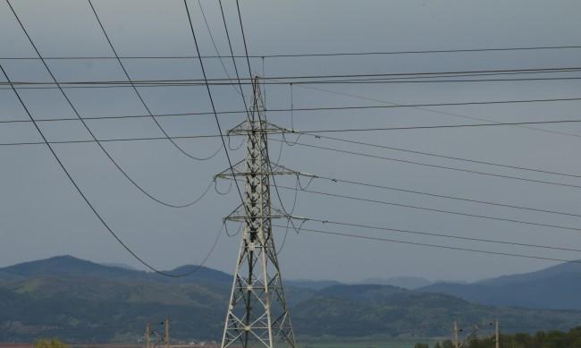 Домакинствата ще се радват на регулирана цена на тока до 1 януари