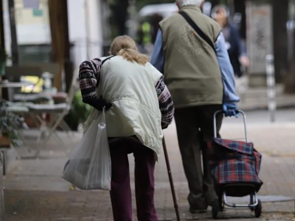 127 050 безработни над 50-годишна възраст са започнали работа в