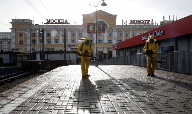 В Москва влизат нови ограничения заради COVID-19