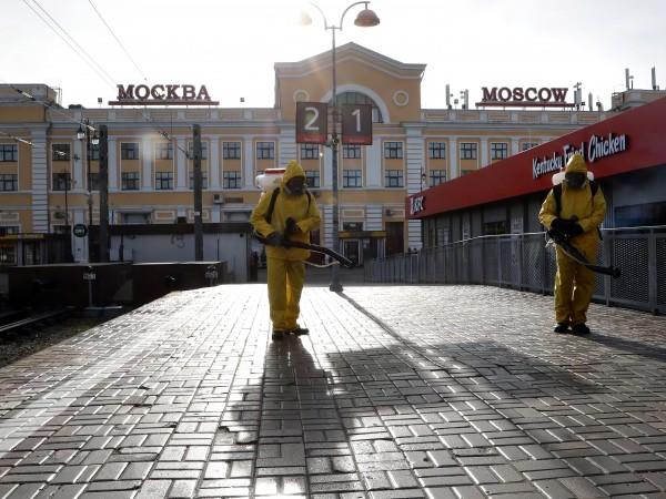 В Москва влизат в сила нови ограничения на фона на