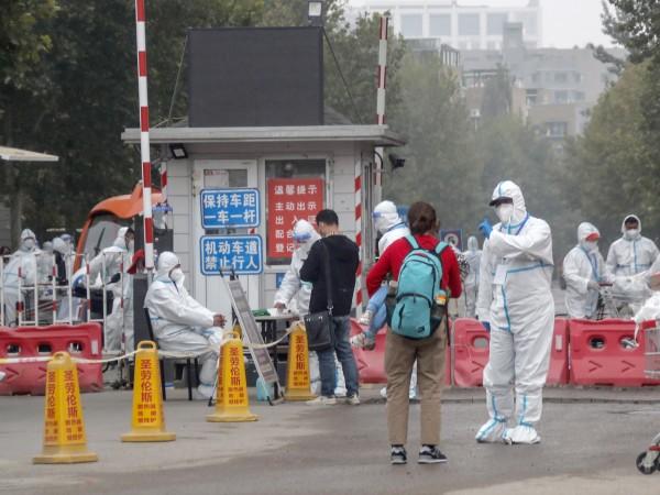 Китай наложи днес локдаун в трети град с цел намаляване