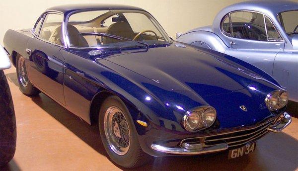 Резултат с изображение за първият сериен автомобил от марката Ламборгини.