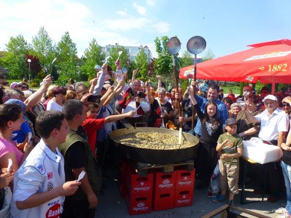 Най-големият омлет беше приготвен днес в Шумен