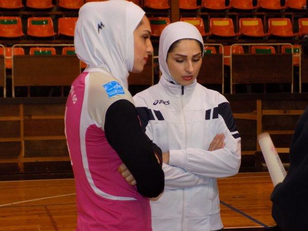 Първите ирански волейболистки в Европа акустираха в Шумен