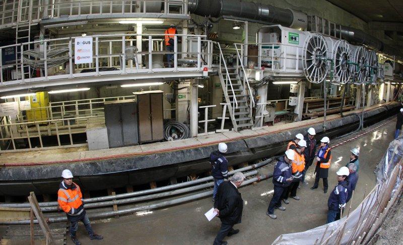 12 км, 12 станции, 20 влака: Новото метро готово на 56%