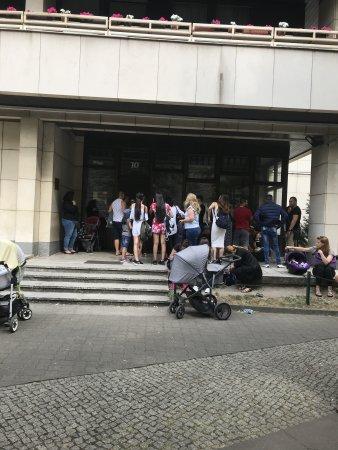Посолството ни Берлин – бъркотия!