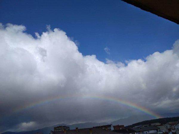 Красива дъга над Казанлък