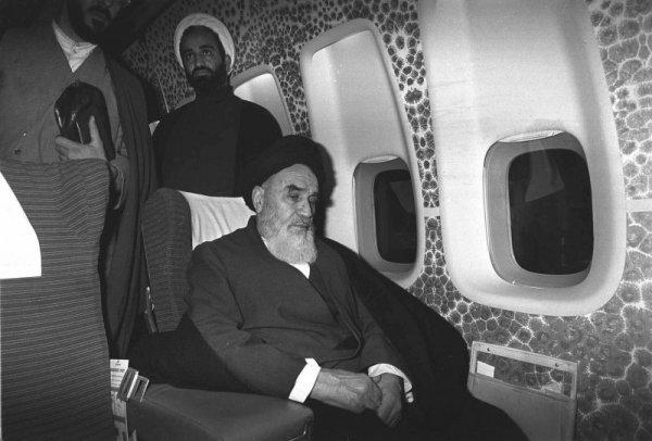 Резултат с изображение за аятолах Хомейни.