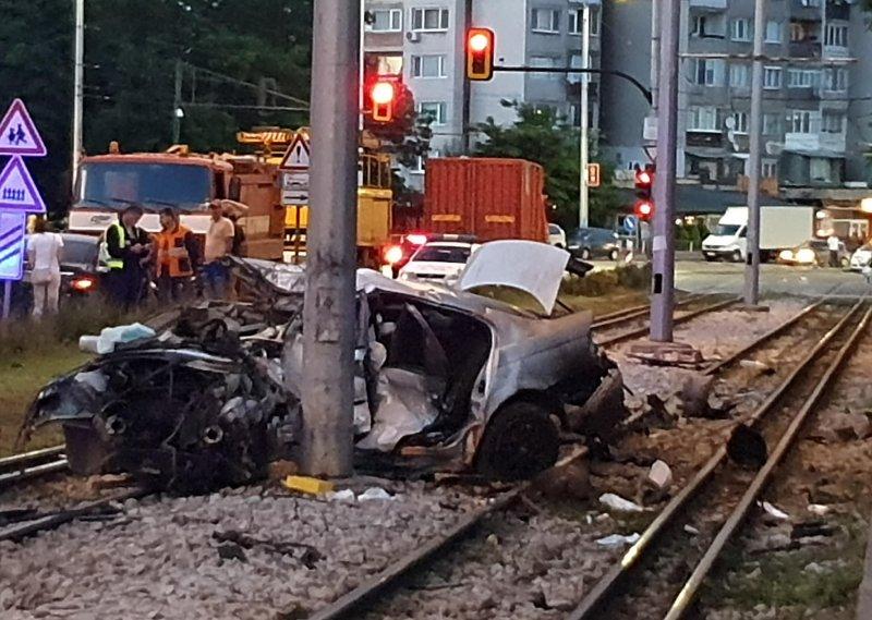 """Почина младата жена, която катастрофира на бул. """"Възкресение"""""""