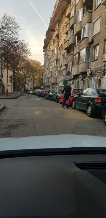 Неправилно паркирали автомобили