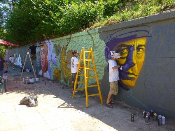 Графити артисти творят в Шумен