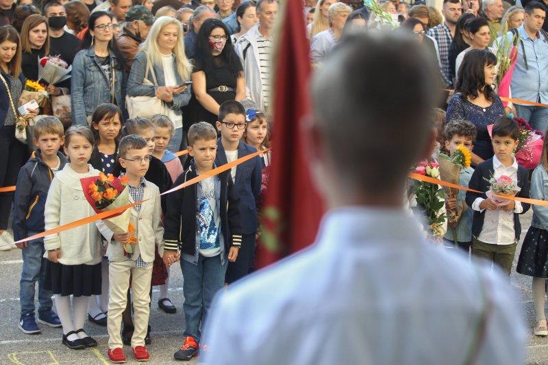 Фандъкова: Учебната година в София навсякъде започва присъствено