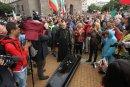 Ден 28: Протестиращи отново са около Президентството и МС, протестът - спокоен